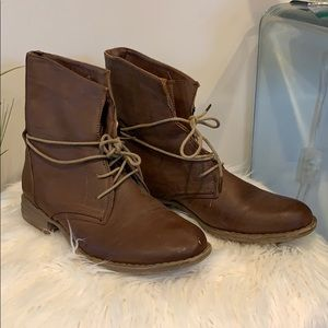 Chestnut Lace up combat boots